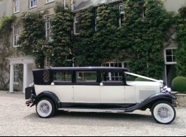 Ivory and Black vintage car for weddings in Maidenhead